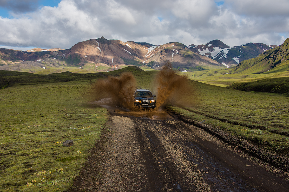 Driveing in Iceland can be a lot of fun with the right rent a car and the right plan