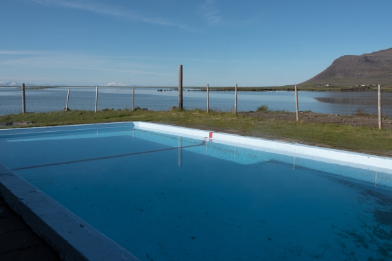 Yo will always find a swimming pool near by in Iceland