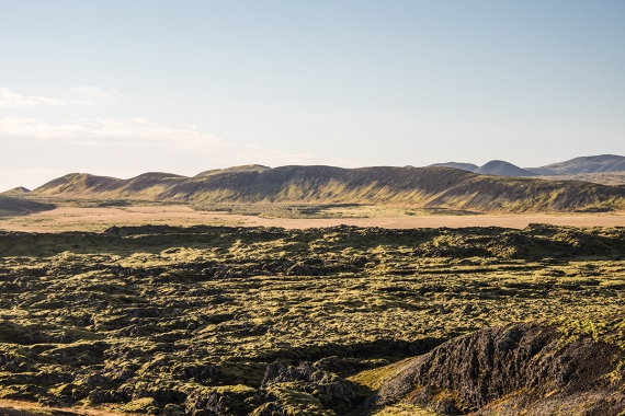 Höskuldarvellir is a grassy plain (quite rare in the Reykjanes Peninsula) of 300 hectares. It is located next to Keilir,