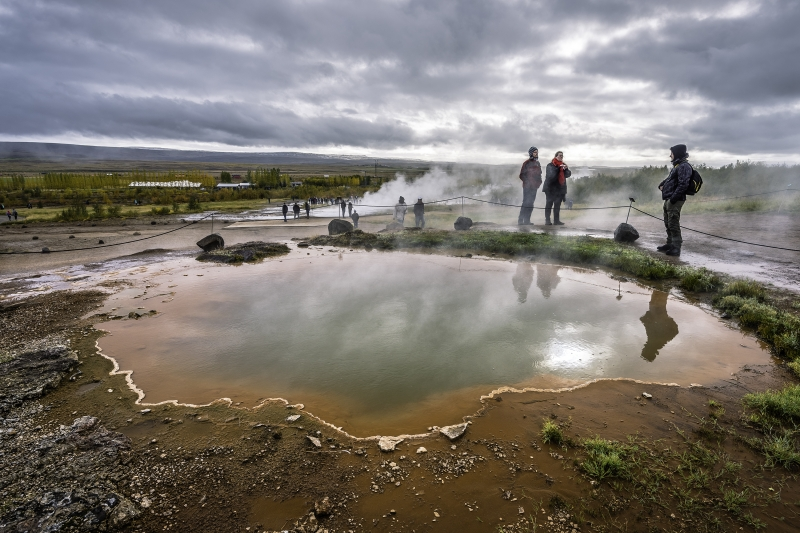 If the area around Strokkur is crowded, just wait a few minutes
