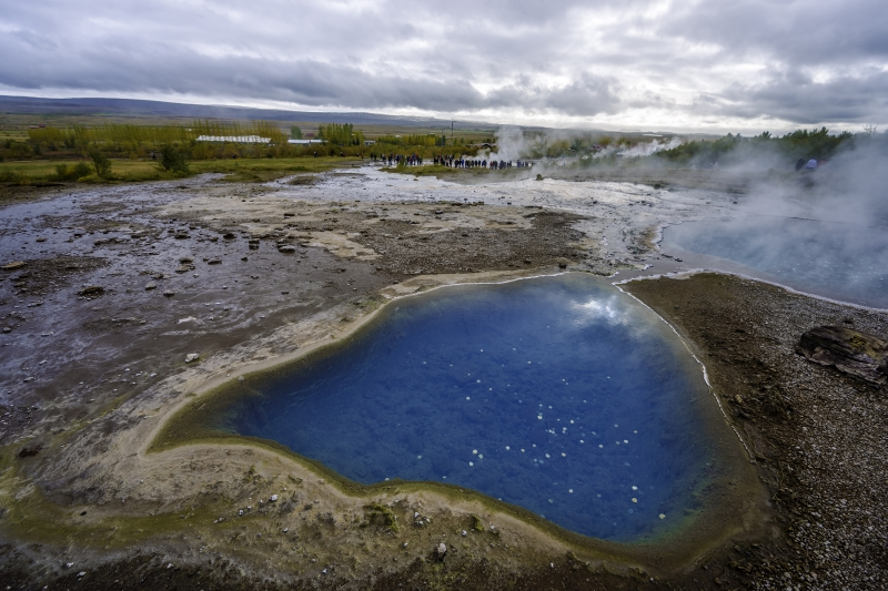 At the Geysir area there are a lot of motives to photograph