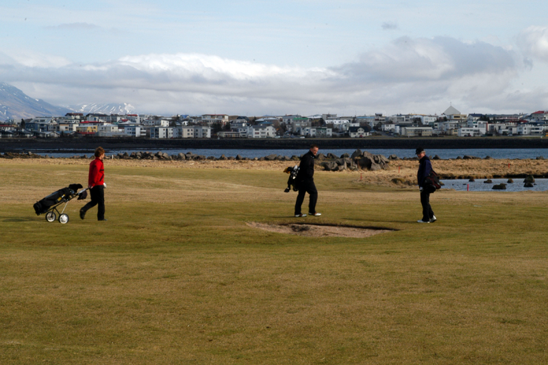 Although Seltjarnarnes is small, the town has a nine-hole golf course