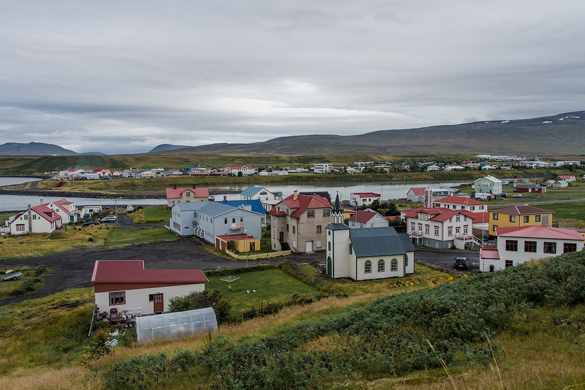 There is usually a short distance between towns and villages all around Iceland
