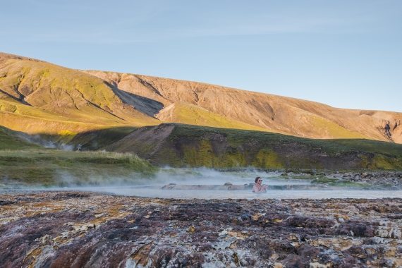 A quiet moment at Strútslaug geothermal pool