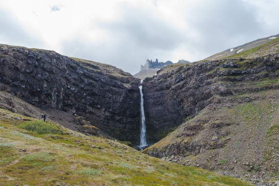 Flögufoss is easily accessible and only a few minutes drive from the main road one on the Icelandic Ring Road in Breiðdalur to a parking lot.