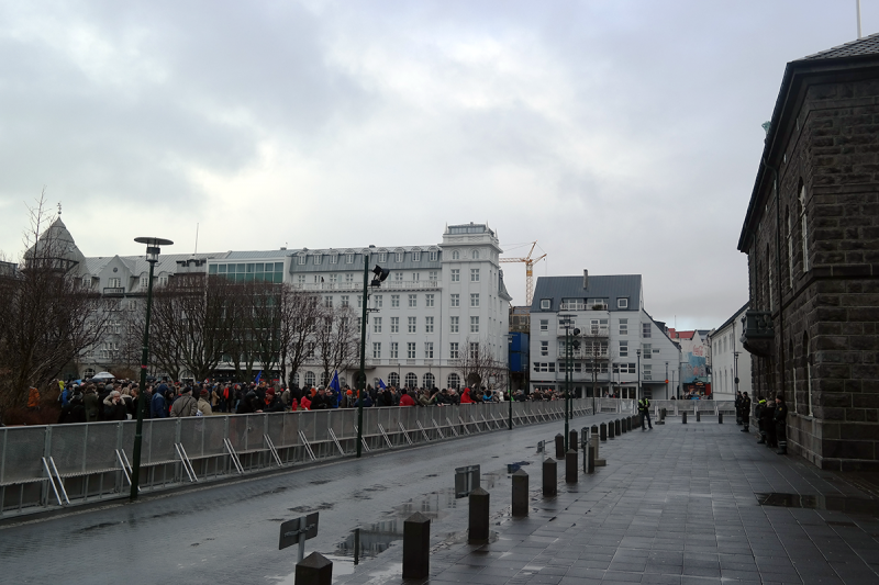 Icelanders protest an ambiguous withdrawal of our application for EU membership