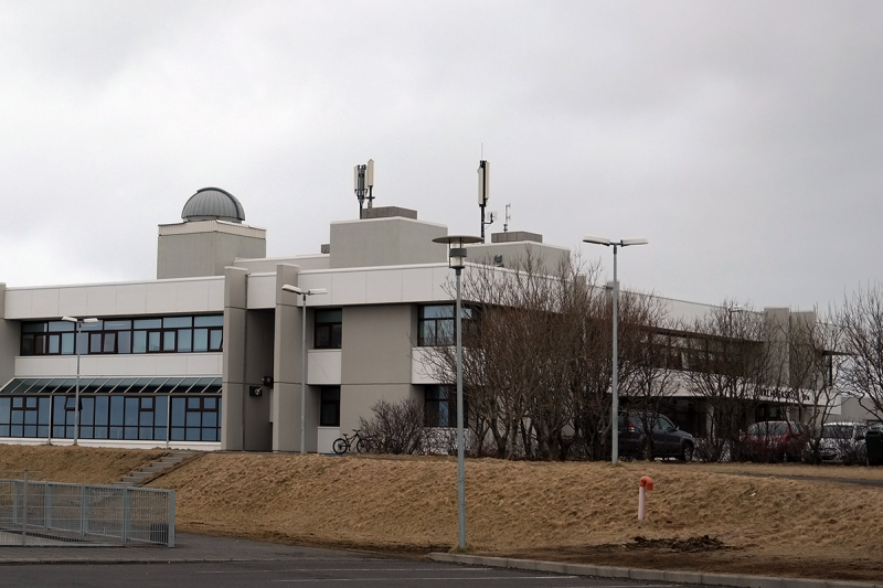 The middle school in Seltjarnarnes has the best astronomical telescope in Iceland